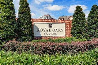 Royal Oaks Square