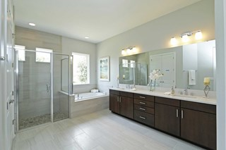The Summerfield - Owner's Bath